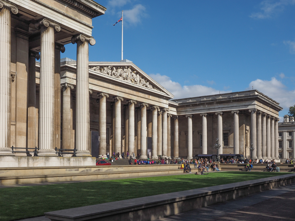 When Should I Visit London Attractions?